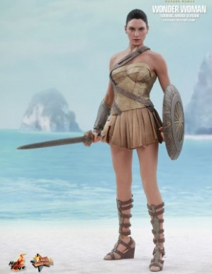 Hot Toys WONDER WOMAN TRAINING ARMOR VERSION 1/6TH Scale Figure