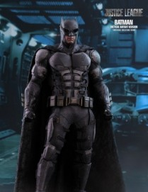 Hot Toys JUSTICE LEAGUE BATMAN TACTICAL BATSUIT VERSION 1/6TH Scale Figure
