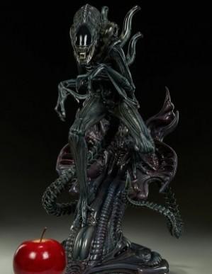 Sideshow Alien Warrior Statue